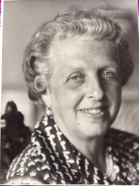 De mi abuela recuerdo casi todo… Por Yolanda Saénz de tejada